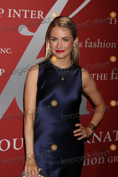 Amanda Hearst Photo - Photo by Victor MalafrontestarmaxinccomSTAR MAX2017ALL RIGHTS RESERVEDTelephoneFax (212) 995-1196102617Amanda Hearst at The 2017 Night of Stars Gala in New York CIty