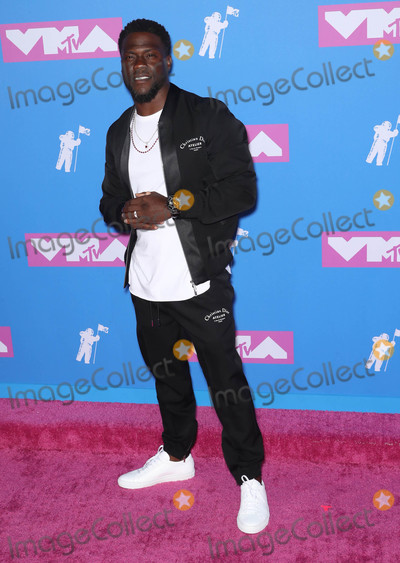 Kevin Hart Photo - Photo by Rothschild MediastarmaxinccomSTAR MAX2018ALL RIGHTS RESERVEDTelephoneFax (212) 995-119682018Kevin Hart at the 2018 MTV Video Music Awards at Radio City Music Hall in New York City