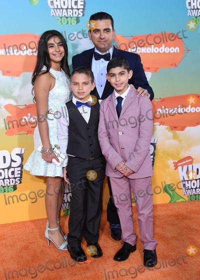 Buddy Valastro Photo - Photo by KGC-11starmaxinccomSTAR MAXCopyright 2016ALL RIGHTS RESERVEDTelephoneFax (212) 995-119631216Buddy Valastro and family at the 2016 Nickelodeons Kids Choice Awards(The Forum Inglewood Los Angeles CA)