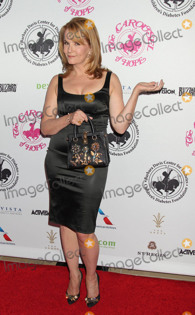 Lea Thompson Photo - Photo by REWestcomstarmaxinccomSTAR MAX2016ALL RIGHTS RESERVEDTelephoneFax (212) 995-119610816Lea Thompson at The 2016 Carousel of Hope Ball(Los Angeles CA)