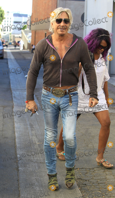 Mickey Rourke Photo - Photo by SMXRFstarmaxinccomSTAR MAXCopyright 2017ALL RIGHTS RESERVEDTelephoneFax (212) 995-1196102117Mickey Rourke is seen in Los Angeles CA