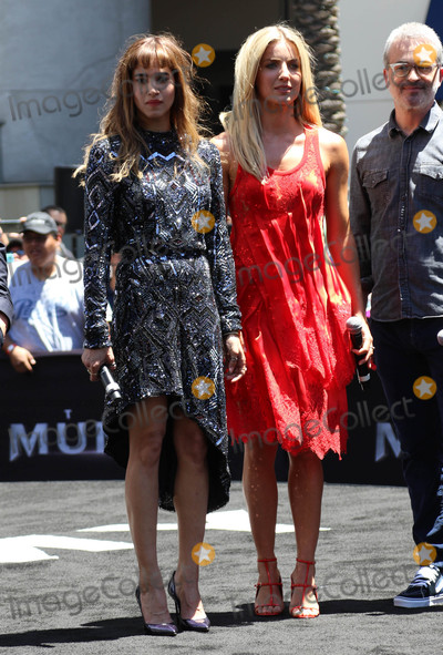 Alex Kurtzman Photo - Photo by gotpapstarmaxinccomSTAR MAX2017ALL RIGHTS RESERVEDTelephoneFax (212) 995-119652017Sofia Butella Annabelle Wallis and Alex Kurtzman at The Universal Celebration of The Mummy Day With a 75-Foot Sarcophagus Takeover At Hollywood And Highland in Hollywood CA