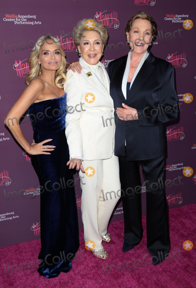 Julie Andrews Photo - Photo by gotpapstarmaxinccomSTAR MAXCopyright 2017ALL RIGHTS RESERVEDTelephoneFax (212) 995-11964117Kristin Chenoweth Ginny Mancini and Julie Andrews attend Mancini Delivered - A Musical Tribute To Ginny And Henry Mancini(Beverly Hills CA)