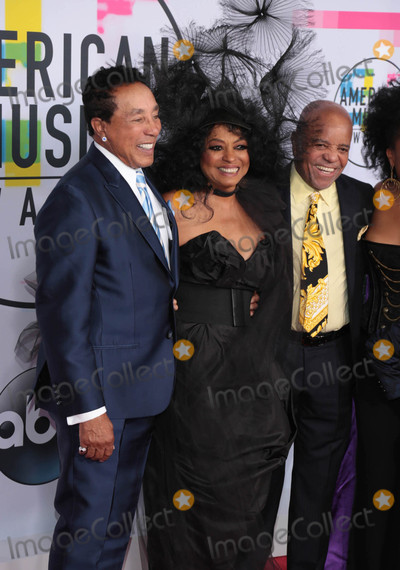 Smokey Robinson Photo - Photo by gotpapstarmaxinccomSTAR MAX2017ALL RIGHTS RESERVEDTelephoneFax (212) 995-1196111917Smokey Robinson Diana Ross and Berry Gordy at The 2017 American Music Awards in Los Angeles CA