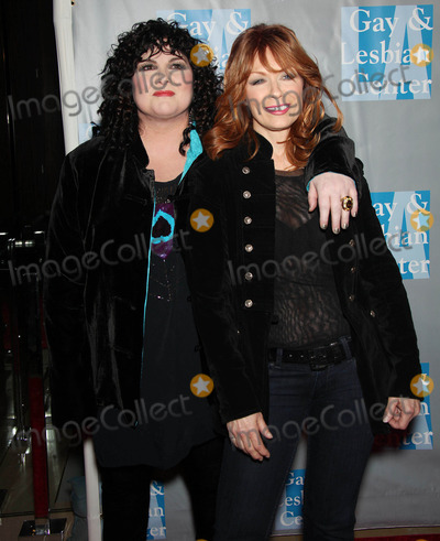 Ann Wilson Photo - Ann Wilson and Nancy Wilson at the LA Gay and Lesbian Centers An Evening with Women Celebrating Art Music and Equality (Beverly Hills CA) 5110
