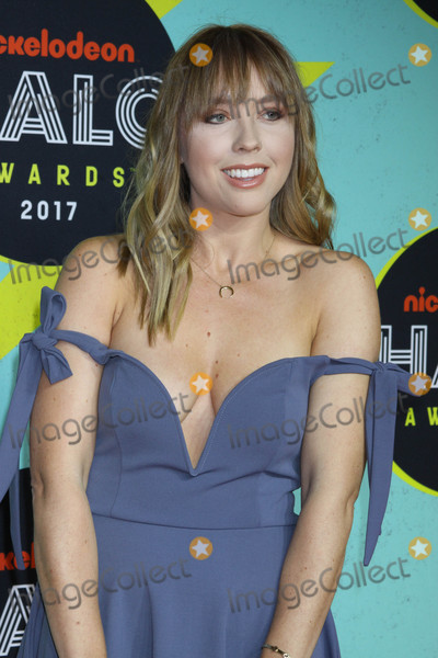 Ashley Nichole Photo - Photo by Victor MalafrontestarmaxinccomSTAR MAX2017ALL RIGHTS RESERVEDTelephoneFax (212) 995-119611417Ashley Nichole at The 2017 Nickelodeon Halo Awards in New York City