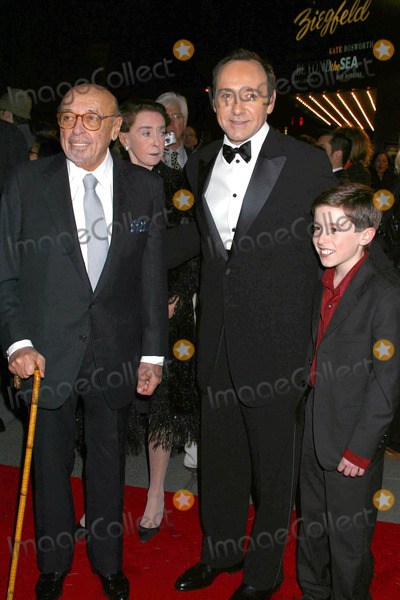 Ahmet Ertegun Photo - Photo by Mitch Gerberstarmaxinccom200412804Ahmet Ertegun Kevin Spacey and William Ullrich at the premiere of Beyond the Sea(NYC)