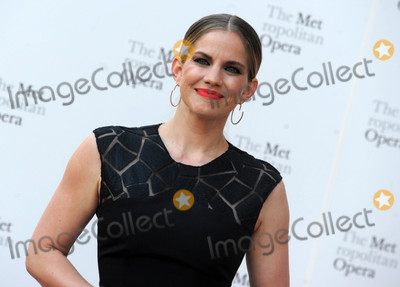 Anna Chlumsky Photo - Photo by Dennis Van TinestarmaxinccomSTAR MAX2017ALL RIGHTS RESERVEDTelephoneFax (212) 995-119692517Anna Chlumsky at The Metropolitan Opera Opening Night Gala in New York City