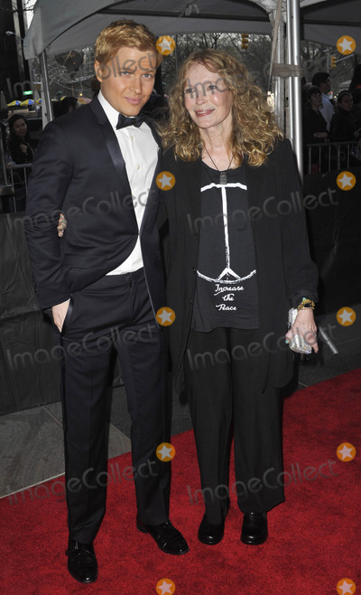 Ronan Farrow Photo - Photo by Patricia SchleinstarmaxinccomSTAR MAX2015ALL RIGHTS RESERVEDTelephoneFax (212) 995-119642115Ronan Farrow and Mia Farrow at the 2015 Time 100 Gala(NYC)