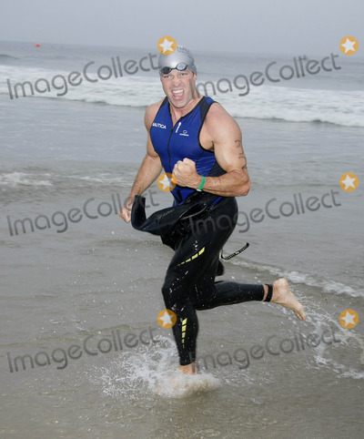 ANDY BALDWIN Photo - Photo by NPXstarmaxinccom200891408Andy Baldwin at the Nautica Malibu Triathlon(CA)Not for syndication in France