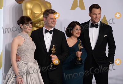 Anna Pinnock Photo - Photo by PDstarmaxinccomSTAR MAX2015ALL RIGHTS RESERVEDTelephoneFax (212) 995-119622215Anna Pinnock (second right) and Adam Stockhausen (second left) with the award for best production design for The Grand Budapest Hotel alongside presenters Felicity Jones and Chris Pratt in the Press Room at the 2015 Oscars held at the Kodak Theatre Hollywood(Los Angeles USA)