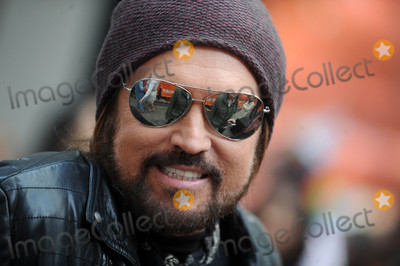 Billy Ray Cyrus Photo - Photo by Dennis Van TinestarmaxinccomSTAR MAX2017ALL RIGHTS RESERVEDTelephoneFax (212) 995-1196103117Billy Ray Cyrus at Todays Halloween Extravaganza 2017 in New York City