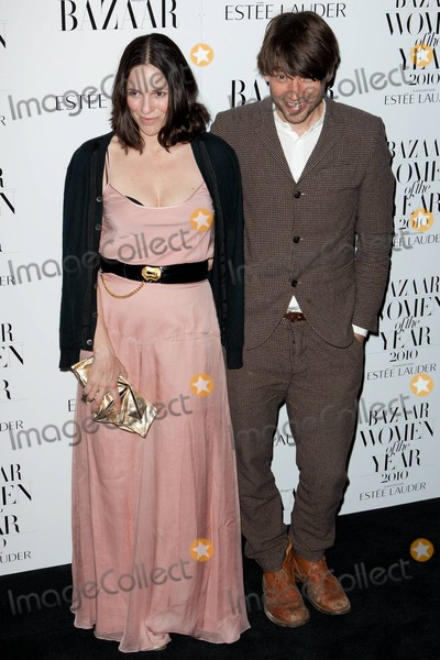 Alex James Photo - Alex James and Claire James appear at the Harpers Bazaar Women Of The Year Awards 2010 held at One Mayfair London UK 11110