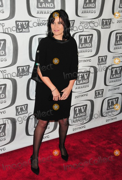 Nancy Mckeon Photo - Nancy McKeon poses on the red carpet at the 9th Annual TV Land Awards held at the Javits Center New York NY 041011