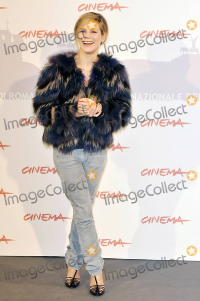 Marina Fois Photo - Marina Fois poses for photographers at the photo call for The Big Picture (original title Lhomme qui voulait vivre sa vie) during the 5th International Rome Film Festival Rome ITA 110410