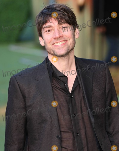 Alex James Photo - Alex James walks the green carpet at the UK premiere of Gnomeo  Juliet held at Odeon Leicester Square London UK 013011