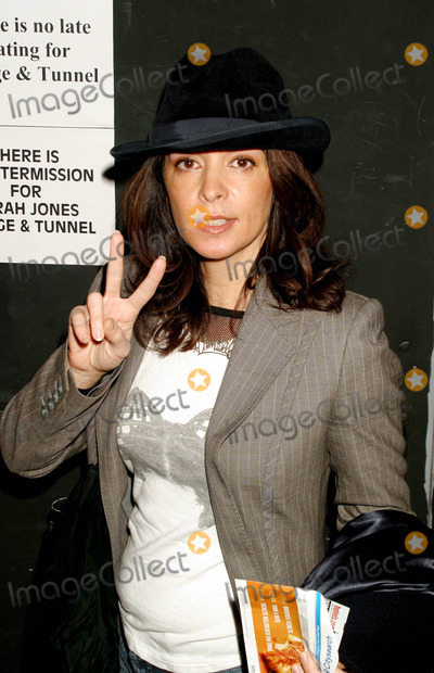 Annabella Sciorra Photo - Abbabella Sciorra Arriving at the Opening Night of Bridge  Tunnel at the 45 Bleecker Street Theatre in New York City on February 19 2004 Photo by Henry McgeeGlobe Photos Inc 2004