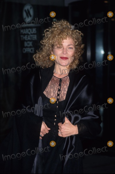 Amy Irving Photo - Amy Irving Annie Get Your Gun Broadway Return at the Marquis Theatre New York 1999 K14994hmc Photo by Henry Mcgee-Globe Photos Inc