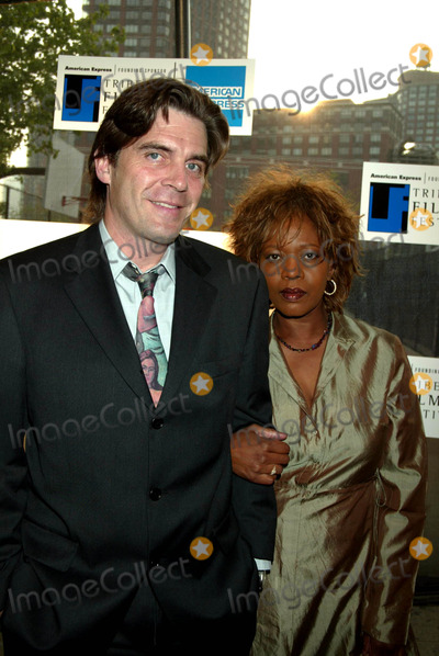 Ann Magnuson Photo - Sd05062003 Tribeca Film Festival Premiere of Down with Love at the Tribeca Performing Arts Center New York City Photo by Henry Mcgee  Globe Photosinc Alfre Woodard and Husband Ann Magnuson