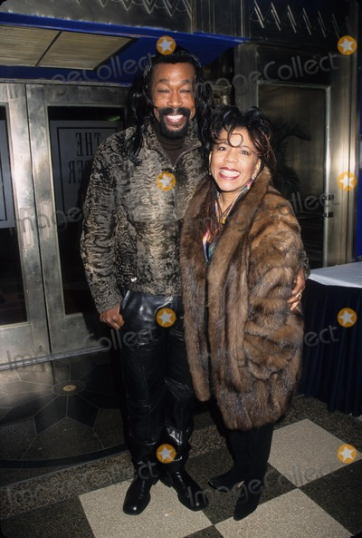 Ashford and Simpson Photo - Ashford and Simpson Nickolas Ashford and Valerie Simpson One Mo Time Opening Night Party Supper Club in New York 2002 K24333hmc Photo by Henry Mcgee-Globe Photos Inc