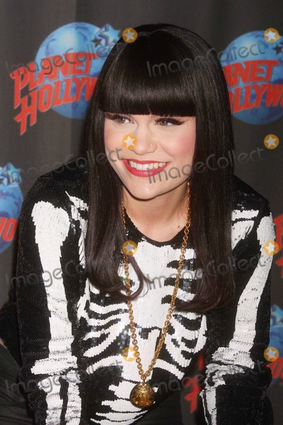 JessieJ Photo - Jessie J Celebrates the Success of Her Platinum Selling Debut Album Who You Are with a Handprint Ceremony at Planet Hollywood Times Square in New York City on 05-19-2011  Photo by Henry Mcgee-Globe Photos Inc 2011