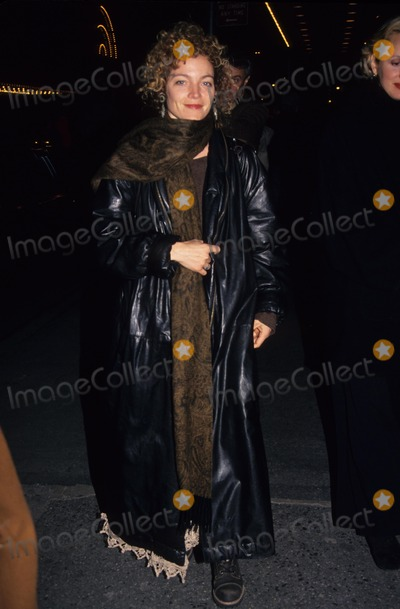 Amy Irving Photo - Amy Irving L8651hmc Photo by Henry Mcgee-Globe Photos Inc
