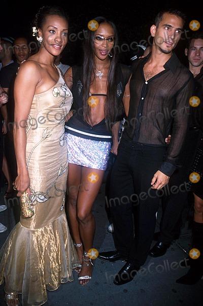 Vivica A Fox Photo - Fashion Week Party Lotus NYC 091902 Photo by Henry McgeeGlobe Photos Inc 2002 Vivica a Fox Naomi Campbell Enrique Palacio