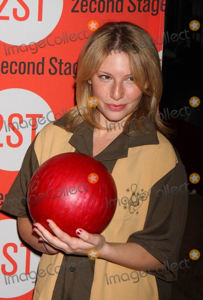 Ari Graynor Photo - Ari Graynor Arriving at the Second Stage Theatres 23rd Annual All-star Bowling Classic at Lucky Strike Lanes in New York City on 02-08-2010 Photo by Henry Mcgee-Globe Photos Inc 2010