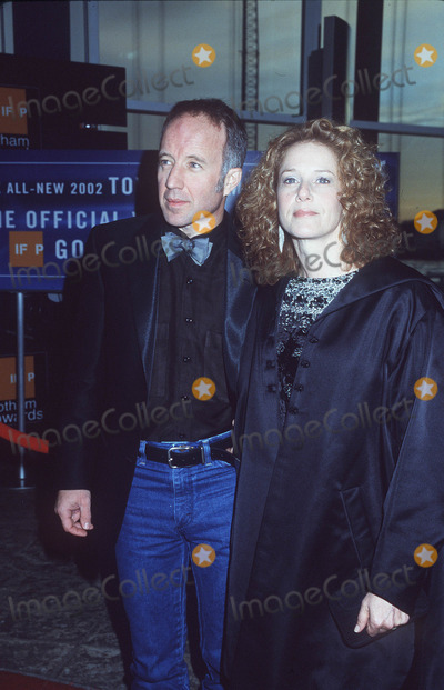 Arliss Howard Photo - 11th Annual Gotham Awards Chelsea Piers NYC 091001 Debra Winger and Arliss Howard Photo by Henry McgeeGlobe Photos Inc