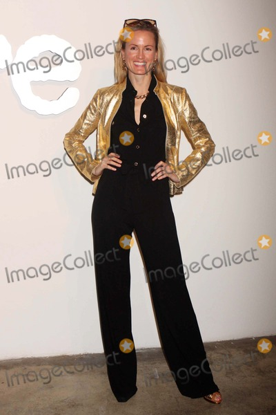 Holly Dunlap Photo - Holly Dunlap Arriving at Allures Most Alluring Bodies Photography Exhibition at Skylight Studios in New York City on 05-07-2008 Photo by Henry McgeeGlobe Photos Inc 2008