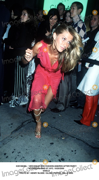 Giselle Photo -  Vh1vogue 2000 Fashion Awards After Party at Cipriani 42nd St NYC 10202000 Gisele Photo by Henry Mcgee  Globe Photos Inc G