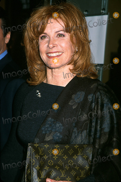 Stephanie Powers Photo - 011108 Stephanie Powers the Women Opening Night at the American Airline Theatre  NYC Photo Henry Mcgee Globe Photos Inc