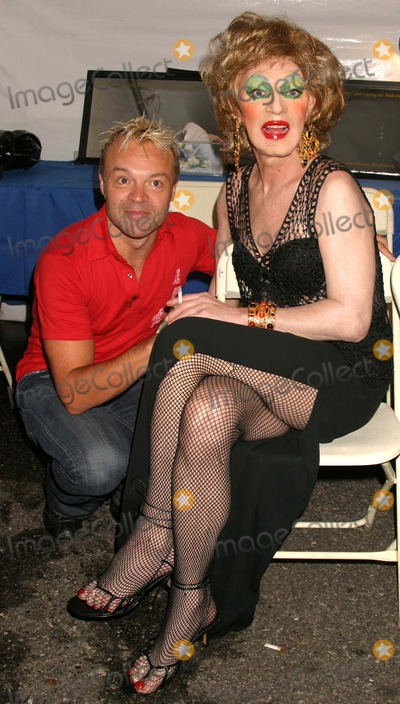 Holly Woodlawn Photo - Graham Norton Holly Woodlawn at Wigstock 2004 at Tompkins Square Park in New York City on August 21 2004 Photo by Henry McgeeGlobe Photos Inc 2004