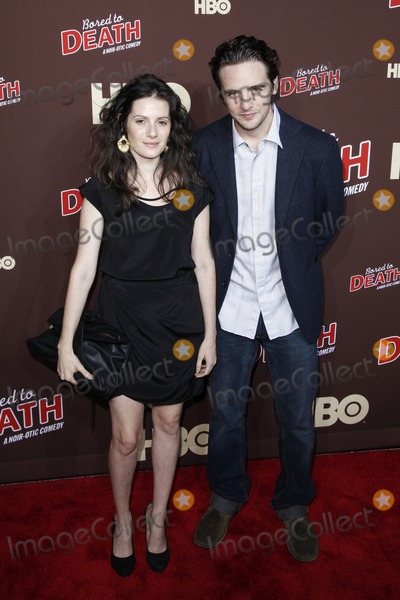 Aleksa Palladino Photo - Aleksa Palladino and Vincent Piazza at HBOs Bored To Death premiere at the Jack H Skirball Center for the Performing Arts in New York City September 21 2010