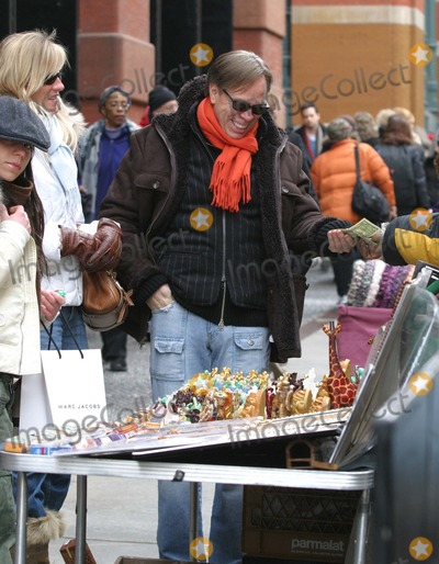 Ally Hilfiger Photo - NYC  011505Tommy Hilfiger (who has a new reality tv show airing in March) with his girlfriend buying his daughter Ally Hilfiger a budha while shopping in SOHODigital Photo by Adam Nemser-PHOTOlinkorg