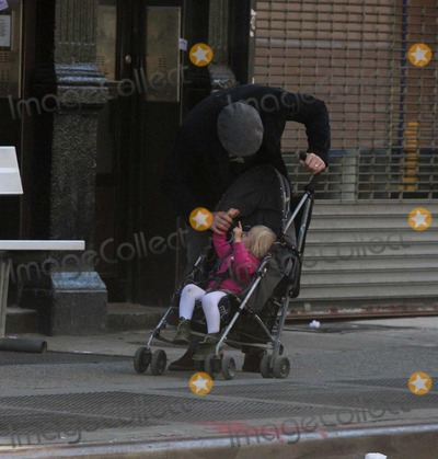 Jane Hawking Photo - Ethan Hawke daughter7546JPGNYC  101010EXCLUSIVE Ethan Hawke and daughter Clementine Jane Hawke (2 years old) walking home from a playground in the West VillageEXCLUSIVE photo by Adam Nemser-PHOTOlinknet