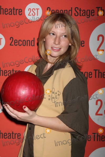 Ari Graynor Photo - NYC  020810Ari Graynor at Second Stage Theatres 23rd annual All-Star Bowling Classic fundraiser at Lucky Strike Lanes and LoungeDigital Photo by Adam Nemser-PHOTOlinknet