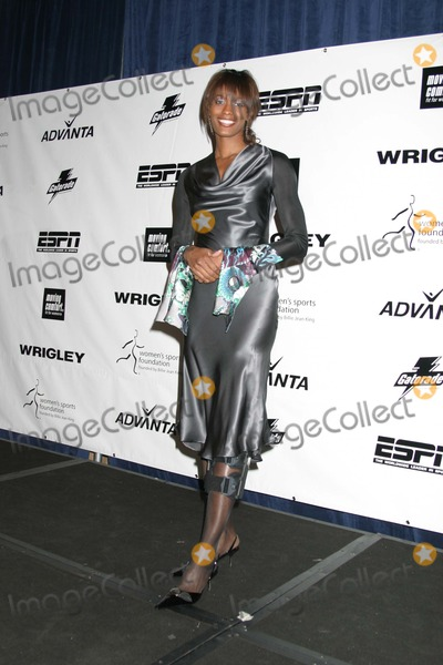 Swin Cash Photo - NYC  101804Swin Cash (basketball) at the Womens Sports Foundation 25th ANNUAL SALUTE TO WOMEN IN SPORTS Awards Dinner at the Waldorf AstoriaDigital Photo by Adam Nemser-PHOTOlinkorg