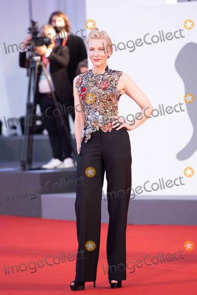 Cate Blanchett Photo - VENICE ITALY - SEPTEMBER 03  Cate Blanchett walks the red carpet ahead of the movie Amants at the 77th Venice Film Festival at on September 03 2020 in Venice Italy(Photo by Laurent KoffelImageCollectcom)