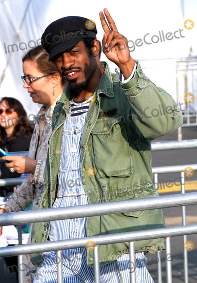 Andr Benjamin Photo - February 21 2015 Los Angeles CAActor Andre Benjamin arriving at the 2015 Film Independent Spirit Awards at Santa Monica Beach on February 21 2015 in Santa Monica CaliforniaPlease byline Nancy RiveraACE PicturesACE Pictures Inc Tel 646 769 0430