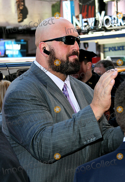 The Big Show Photo - April 1 2014 New York CityThe Big Show arrives at the Wrestlemania 30 press conference in Times Square on April 1 2014 in New York City