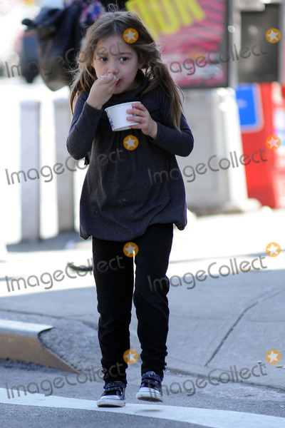 AVA JACKMAN Photo - Actor Hugh Jackman picks up his daughter Ava from school in Soho on March 18 2010 in New York City