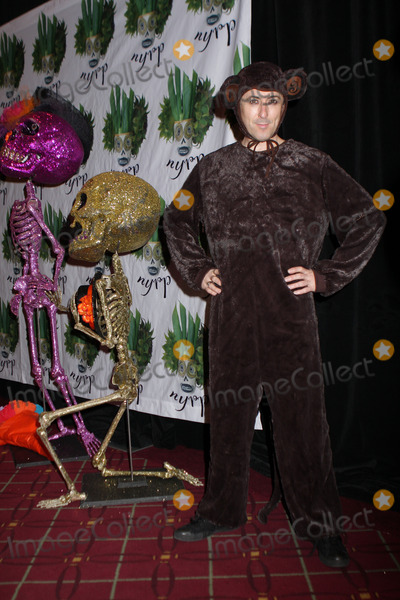 ALLAN CUMMING Photo - Allan Cummings at Bette Midlers Annual Hulaween Party at the Waldorf Hotel on October 28 2011 in New York City