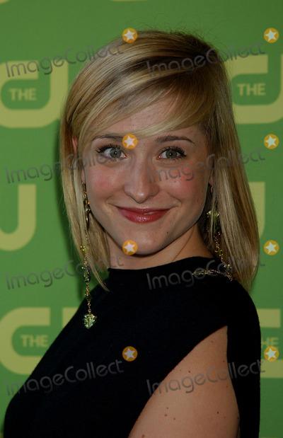 Allison Mack Photo - Allison Mack at the CW Upfront Red Carpet