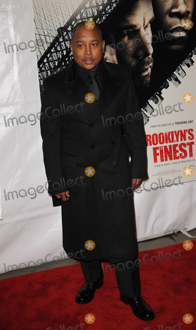Daymond John Photo - Daymond John arriving at the premiere of Overture Films Brooklyns Finest at Empire Hotel Rooftop on March 2 2010 in New York City