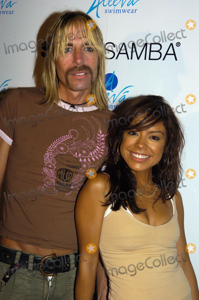 Erika Martin Photo - MIAMI AUGUST 26 2005    Erika Martin and Johnny Hardesty attend a celebrity karaoke at SushiSamba