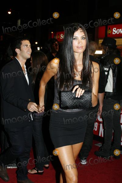 Alina Puscau Photo - Model Alina Puscau outside the 2009 MTV Video Music Awards at Radio City Music Hall on September 13 2009 in New York City