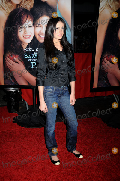 Ali Lohan Photo - Actress Ali Lohan attends the Sisterhood of the Traveling Pants 2 premiere held at the Ziegfeld Theatre on July 28 2008 in New York