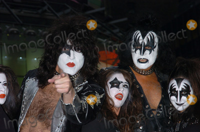 Paul Stanley Photo - Gene Simmons and Paul Stanley of Kiss makes appearance at MTVs TRL Studios