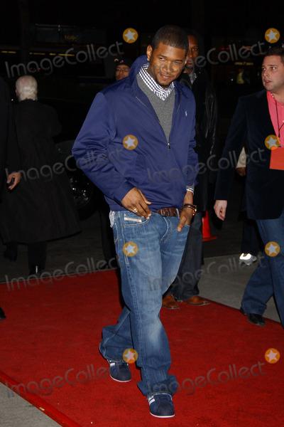 Usher Photo - Usher at the Basic Instinct 2 Premiere